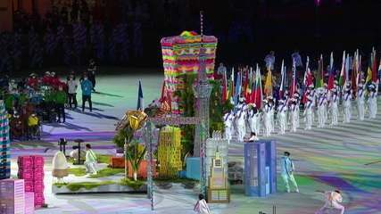 Tower climbs with difficulty, but climbs at the closing ceremony of the Tokyo Paralympic Games