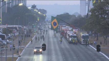 Bolsonaro supporters break PM blockade and invade Esplanade