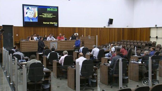 Vereadores de Itapetininga aprovaram projeto de lei que muda cobrança da taxa de lixo