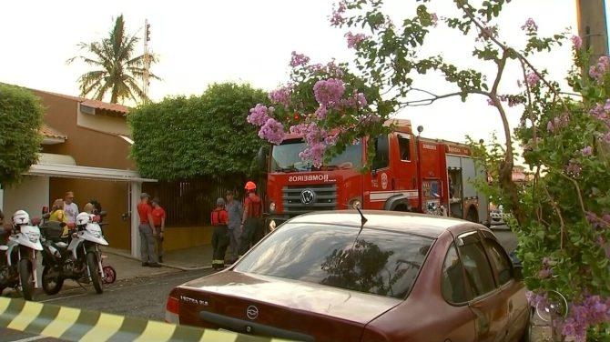 Queda de avião mobiliza bombeiros, familiares das vítimas e moradores de Rio Preto