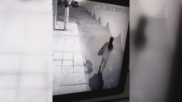Câmera registra últimos momentos de personal antes de desaparecer em Guarujá, SP