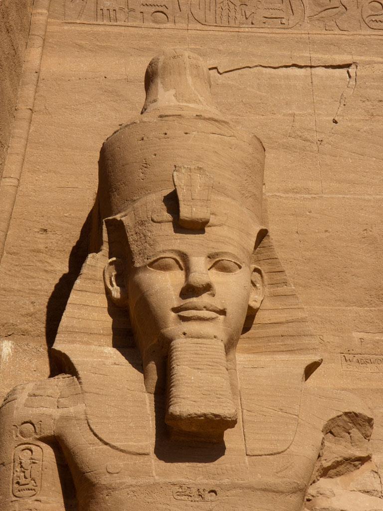 https://i1.wp.com/s04.sonyaandtravis.com/images/egypt-2011/egypt-abu-simbel-c-close-up-of-one-of-the-ramesses-ii-statues.jpg