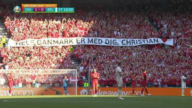 Aos 10 min do 1º tempo - homenagem dos jogadores e da torcida a Christian Eriksen