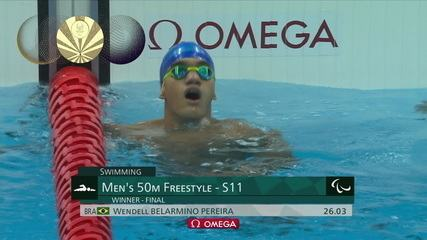 Wendell Pereira wins gold in the 50m freestyle in the S11 class
