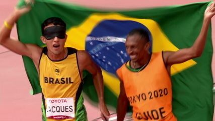 ONE HUNDRED TIMES BRAZIL!!  Yeltsin Jacques dominates from end to end, drops world record and takes gold in men's 1500m T11 - Tokyo Paralympics