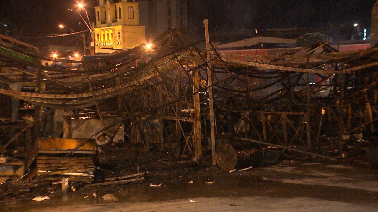 Incêndio destruiu barracas no Parque do Povo em Campina Grande