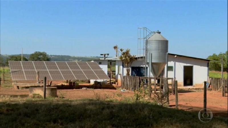 Energia solar deve minimizar perdas de produtores de leite em Goiás