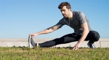 2018126112424364JR_207383702 ما يجب مراعاته عند أداء تمارين الاستطالة؟ sport