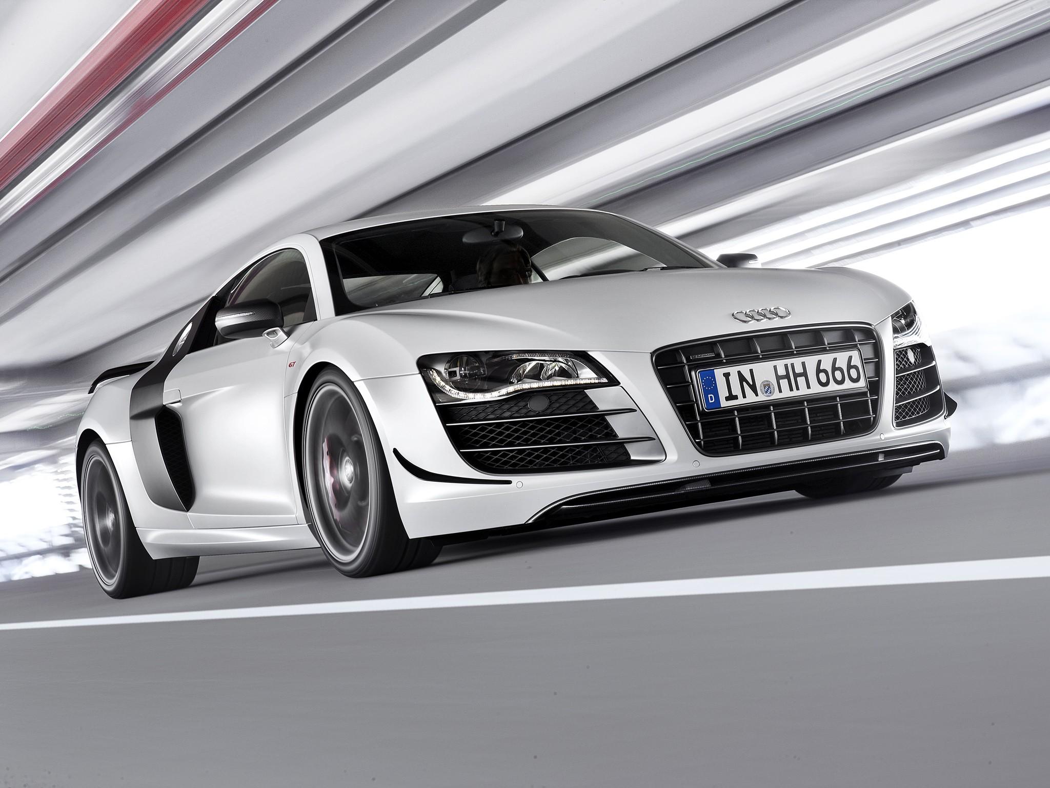 Audi R8 Gt Specs Amp Photos 2010 2011 2012 2013