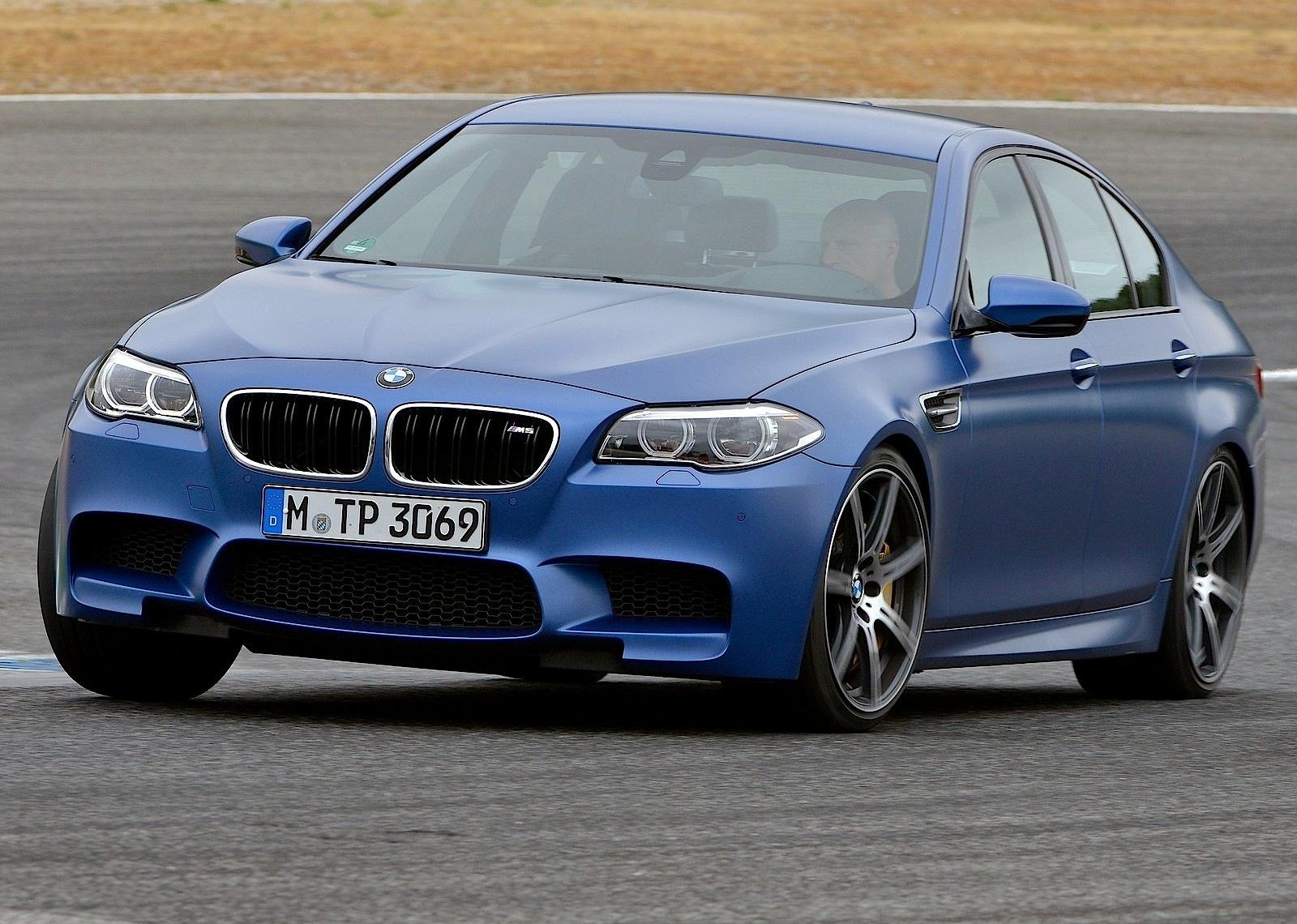 Die ebenfalls im sommer startenden hochleistungsvarianten m competition werden wie bisher von einem reihensechszylinder mit 375 kw/510 ps mit. BMW M5 (F10) LCI specs & photos - 2013, 2014, 2015, 2016