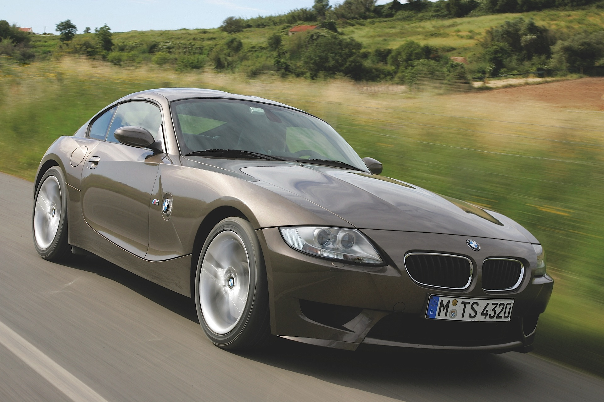 The bmw x5 has been around since the turn of the century, evolving into an suv that balances power, refinement, and luxury with great road manners. BMW Z4 M Coupe (E86) specs & photos - 2006, 2007, 2008