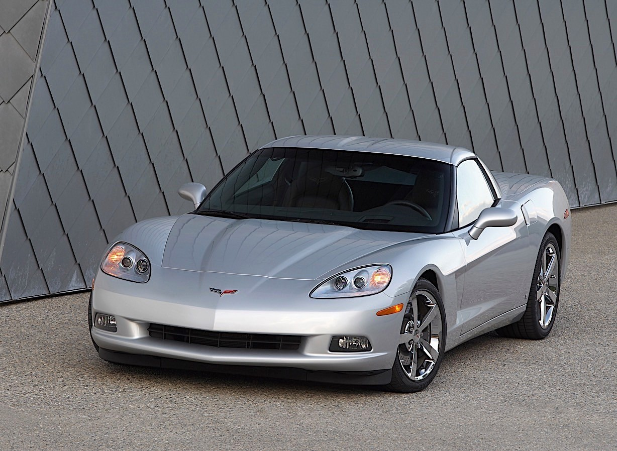Chevrolet Corvette C6 Coupe Specs Amp Photos 2004 2005