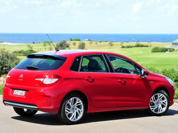 CITROEN C4 Hatchback specs & photos - 2010, 2011, 2012 ...