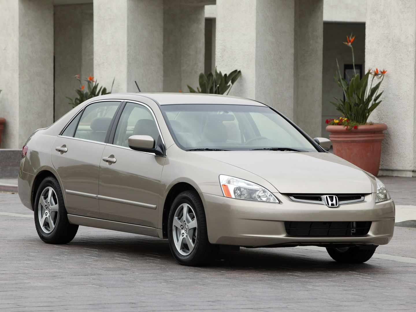 With the largest range of new and second hand honda cars across the uk, find the right car for you. HONDA Accord Sedan US specs & photos - 2005, 2006, 2007