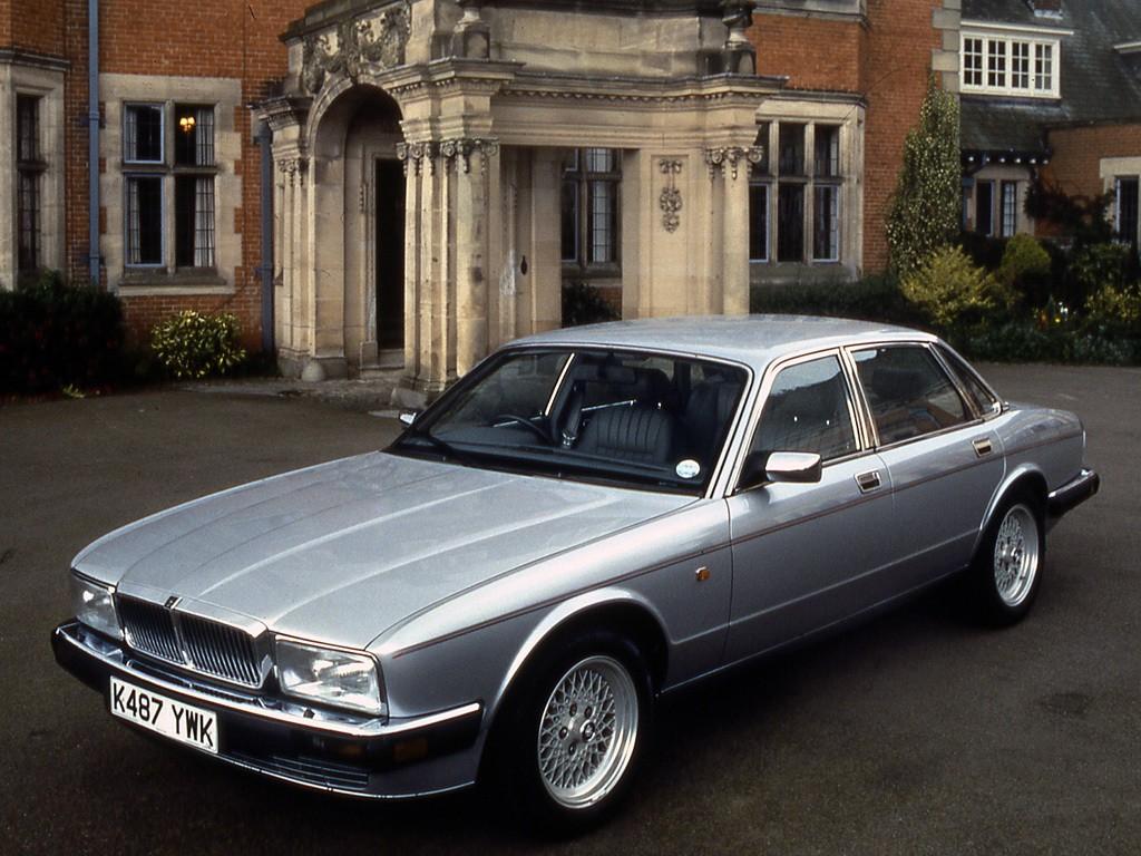 Rover 1992 Defender Land