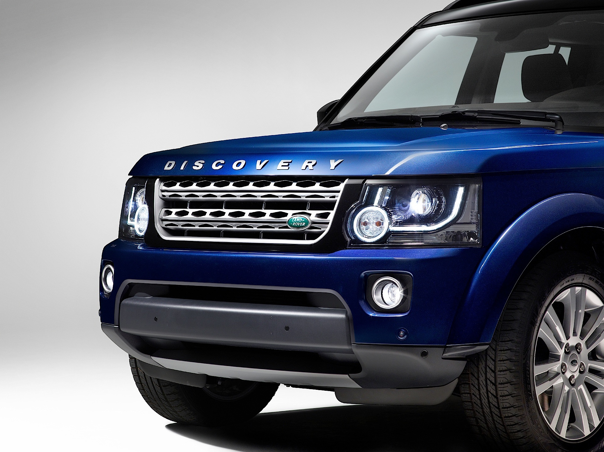LAND ROVER Discovery LR4 specs 2013 2014 2015 2016 2017