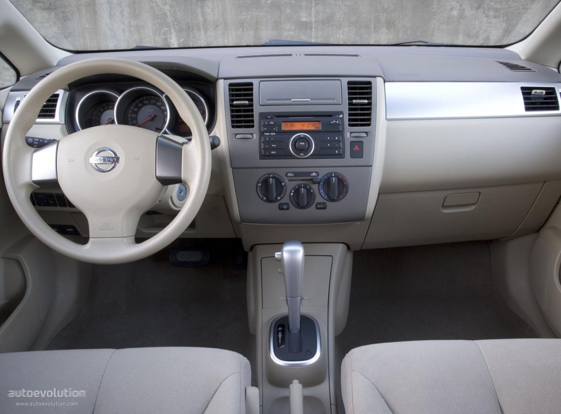 Nissan Tiida Versa