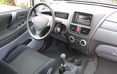 SUZUKI Aerio Liana Hatchback Specs Amp Photos 2001 2002