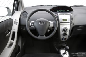 TOYOTA Yaris 5 Doors specs & photos  2006, 2007, 2008