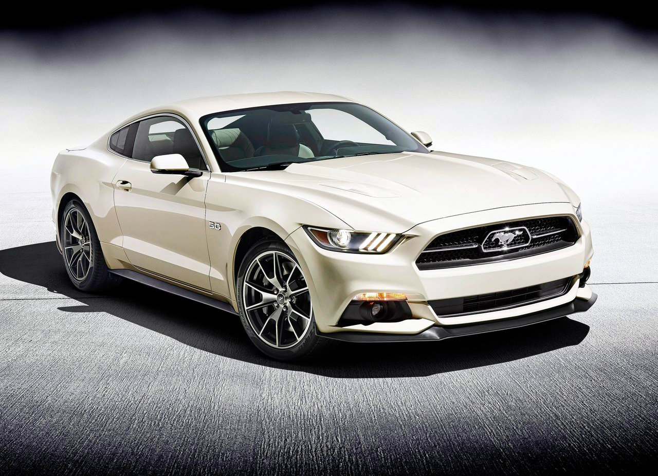 2015 Ford Mustang Specifications  300hp V6  310hp EcoBoost  435hp GT     12 photos  The Green Machine  a 2015 Ford Mustang