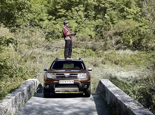 2010 Geneva Auto Show: Dacia Duster  Live Photos