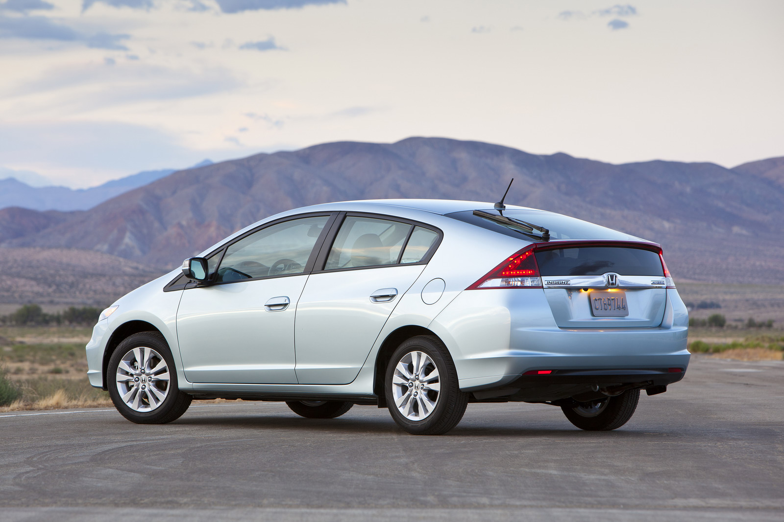 Buy rating for honda motor by ubs from 03/31/20 © 2021 insider inc. 2012 Honda Insight Hybrid Introduced in the US - autoevolution