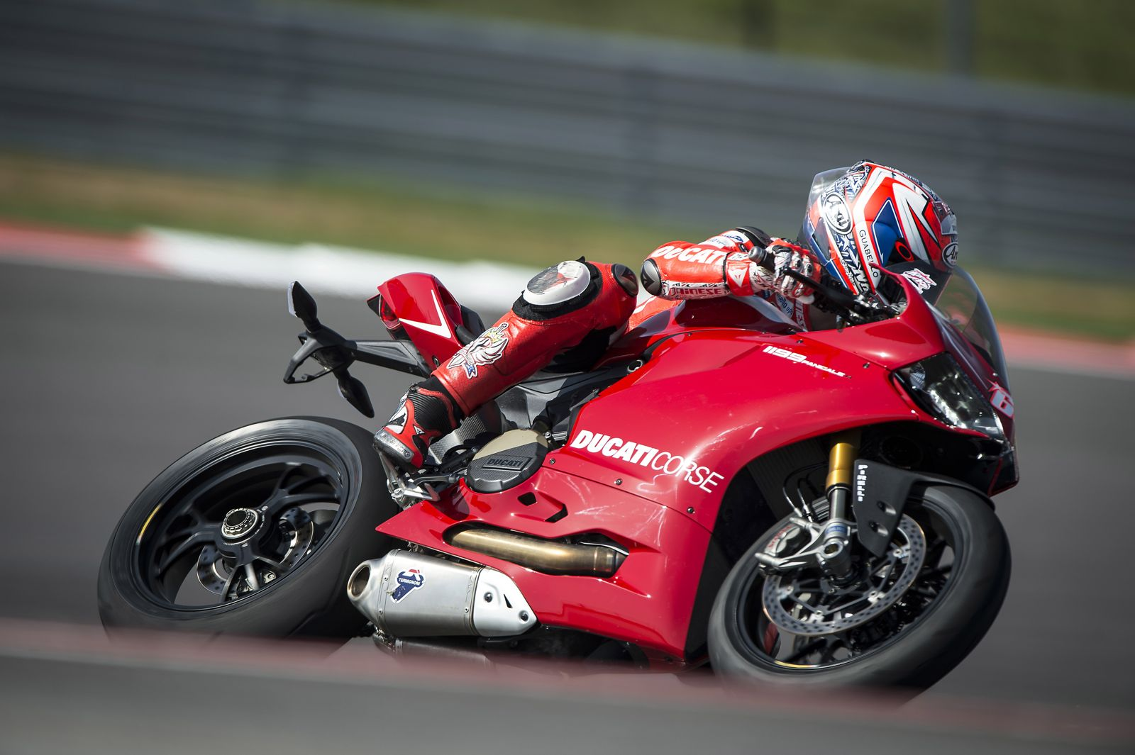 2013 Ducati 1199 Panigale R Official Pictures Autoevolution