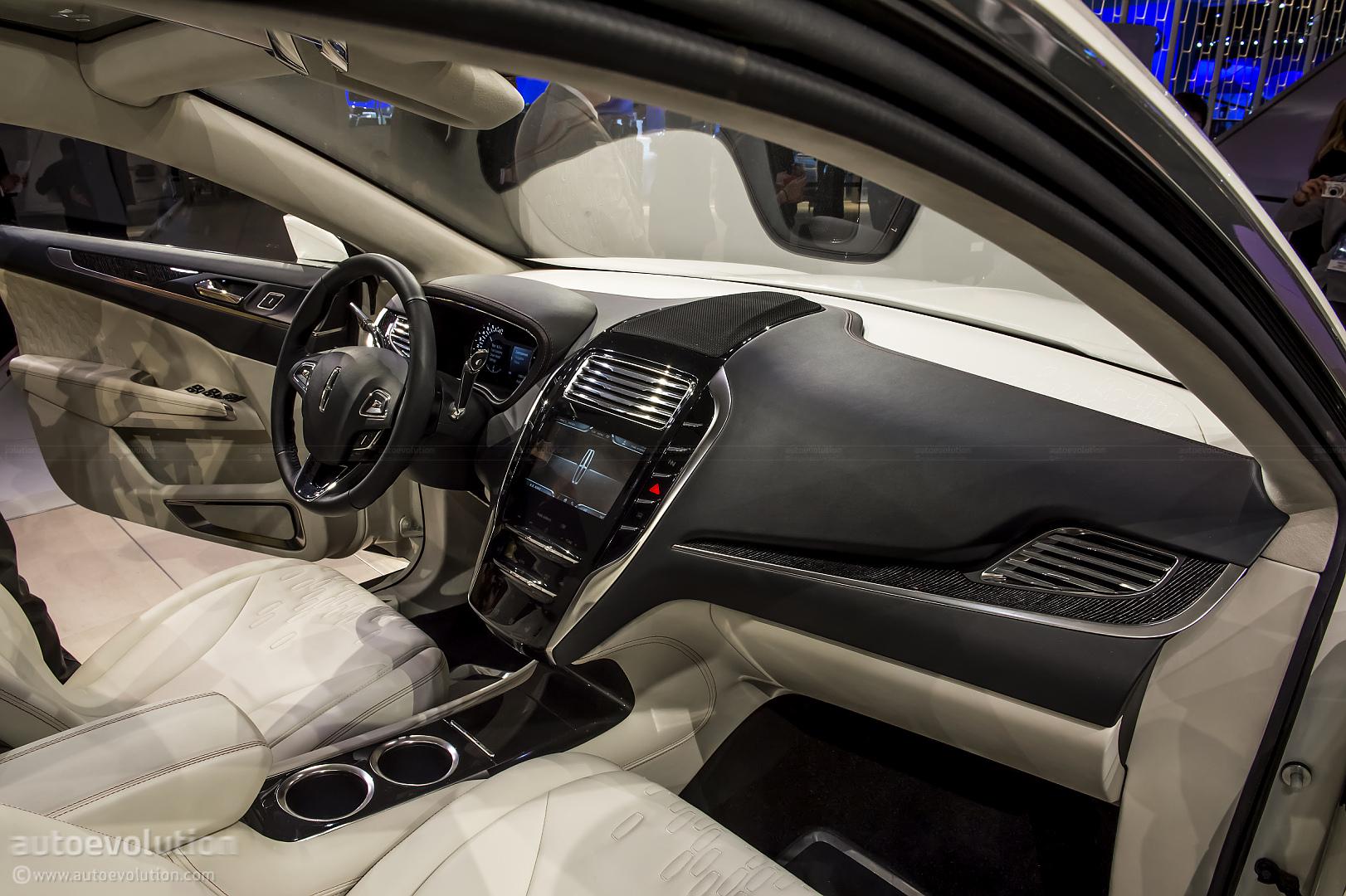 2013 NAIAS Lincoln MKC Concept Live Photos Autoevolution