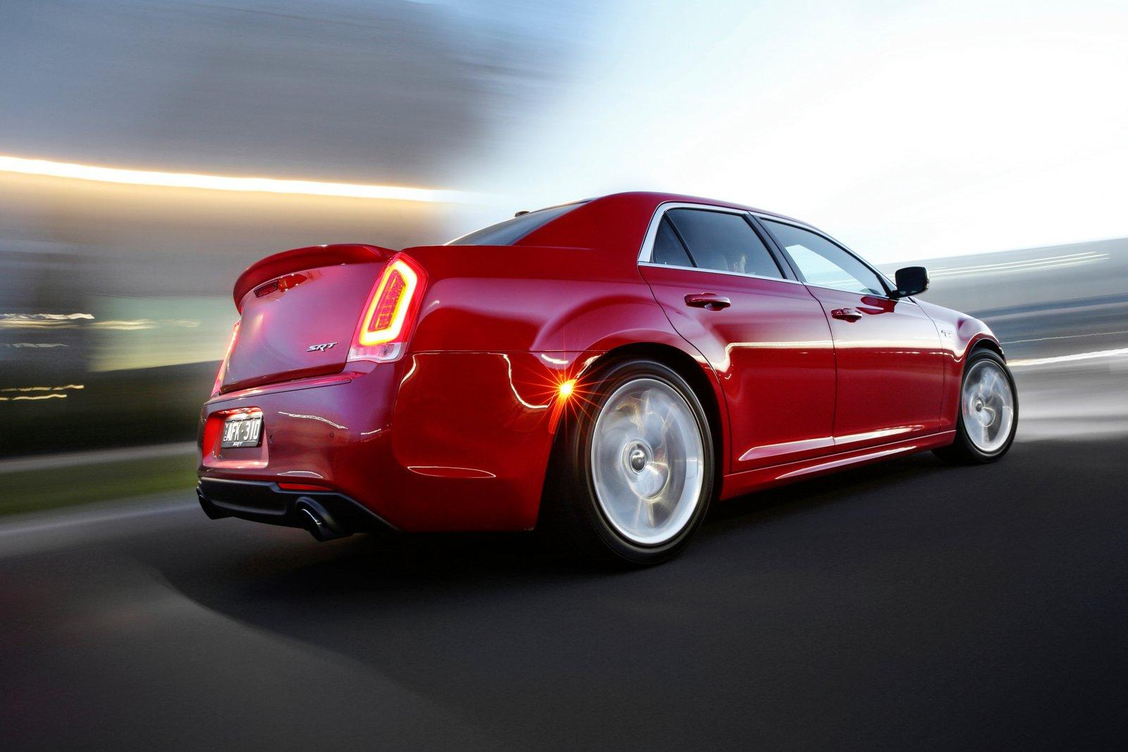 2016 Chrysler 300 Srt Earns 6 4l Hemi V8 Not Available In