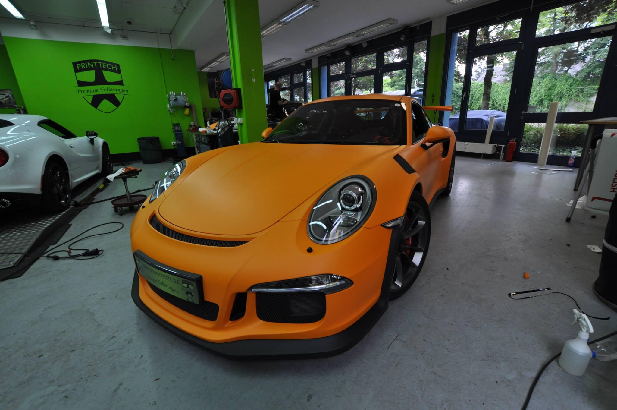 2016 Porsche 911 GT3 RS Gets Retro Look With Racing Orange