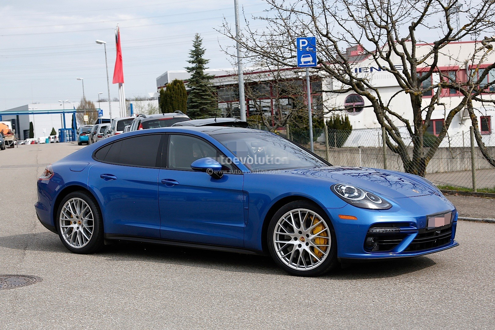 2017 Porsche Panamera Looks Great In Blue Autoevolution