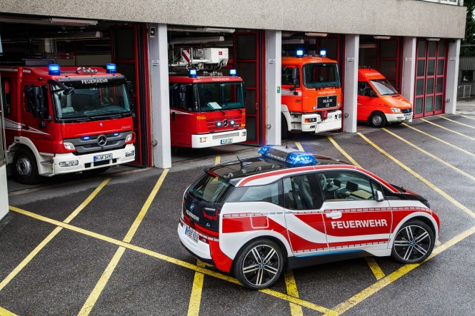 American Emergency Vehicles Manufactures A Diverse Collection Of Emergency Vehicles And Also Provides Services Such As Repair Specifically Aev Supervises