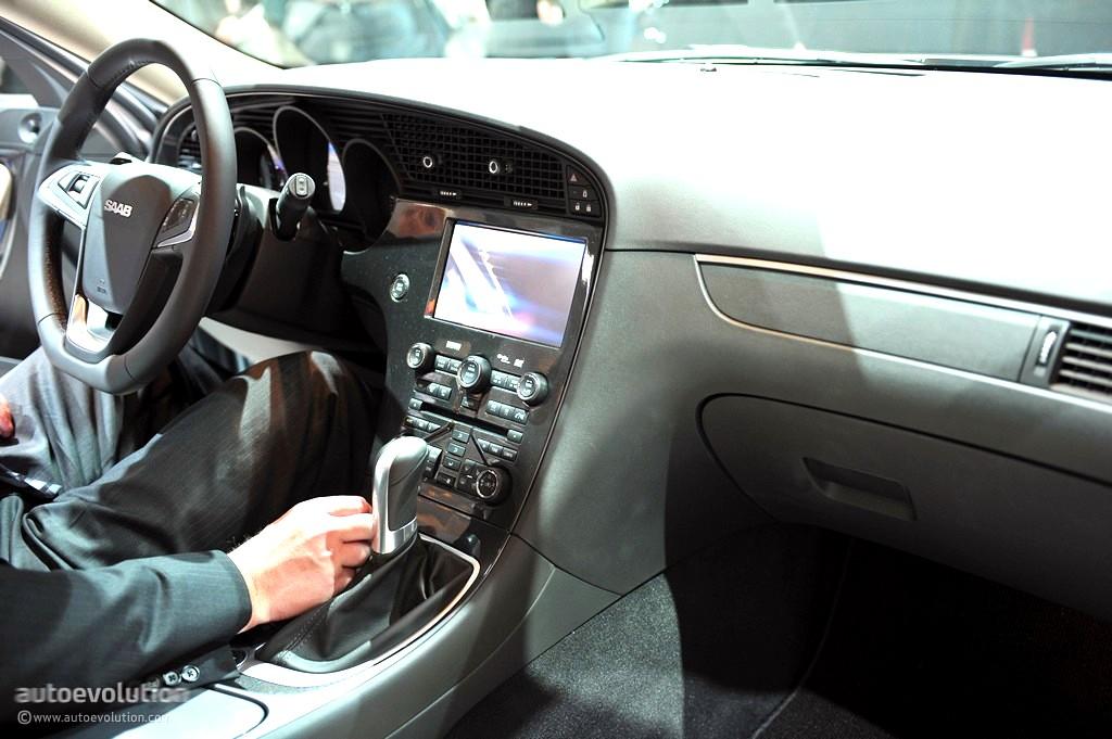Geneva 2011 Saab 9 5 SportCombi Live Photos Autoevolution