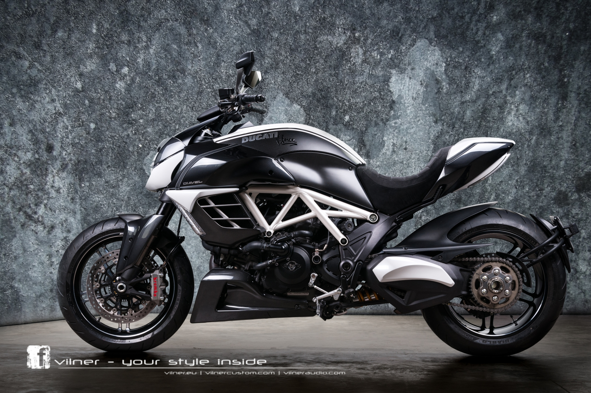 Insane One Off Ducati Diavel AMG By Vilner Autoevolution