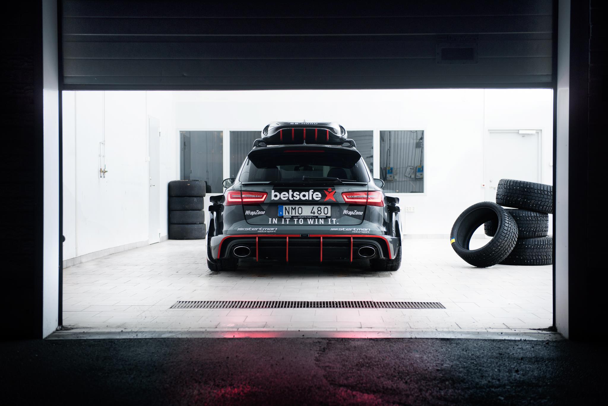 Jon Olsson's Audi RS6 DTM Has Gold Anodized Turbochargers