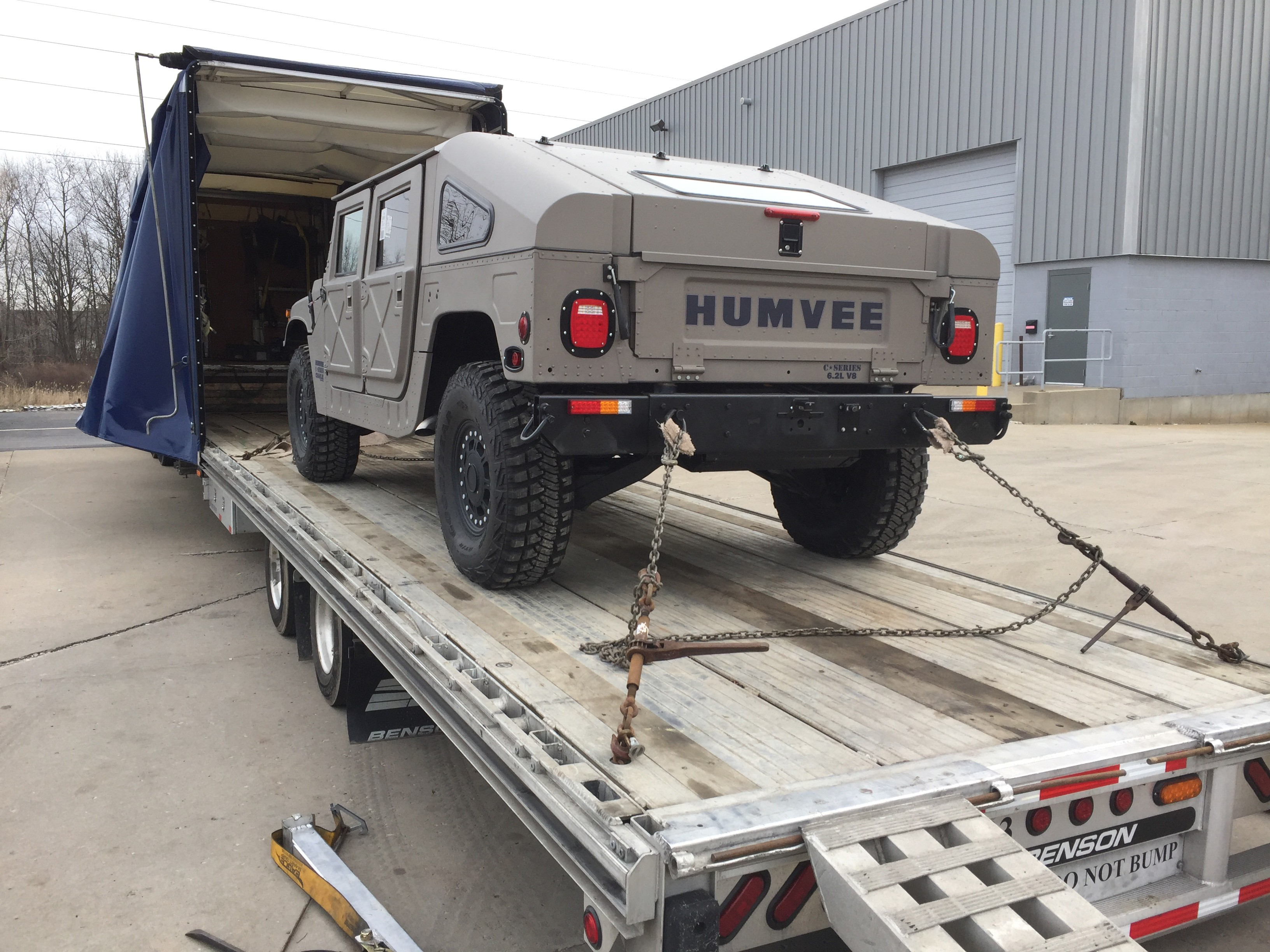 Hummer H1 Submarine Conquers Houston Floods Casually Runs a Red