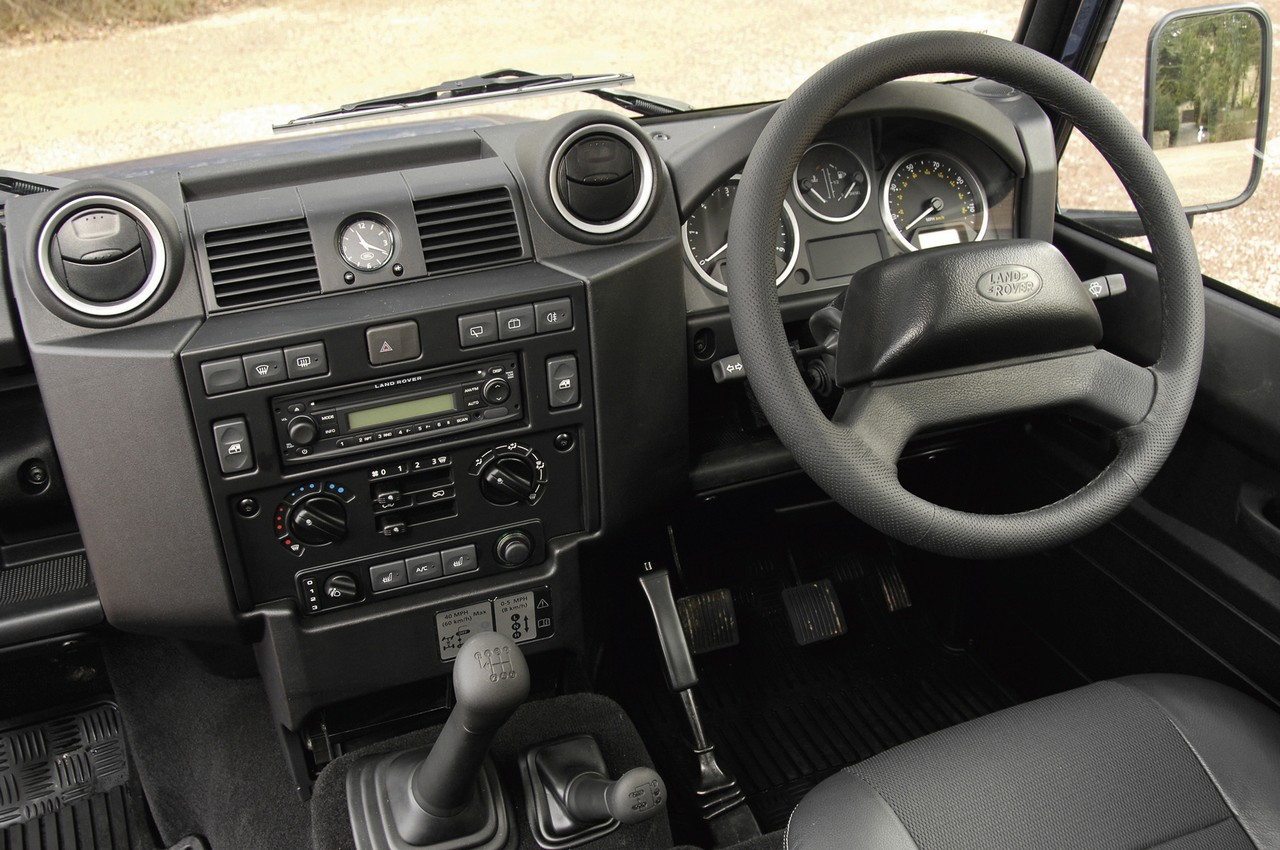 Land Rover Presents The 2011 Defender Range Autoevolution