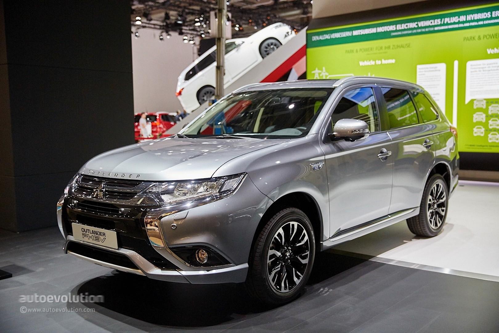 Mitsubishi Outlander PHEV Facelift Revealed At Frankfurt