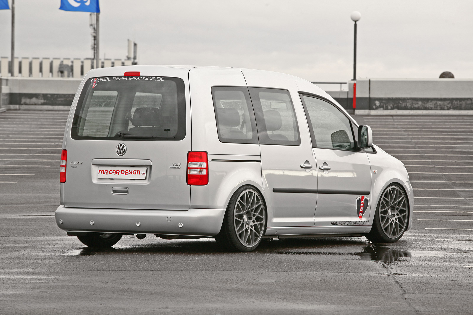 MR Car Design Volkswagen Caddy Rides Low Autoevolution