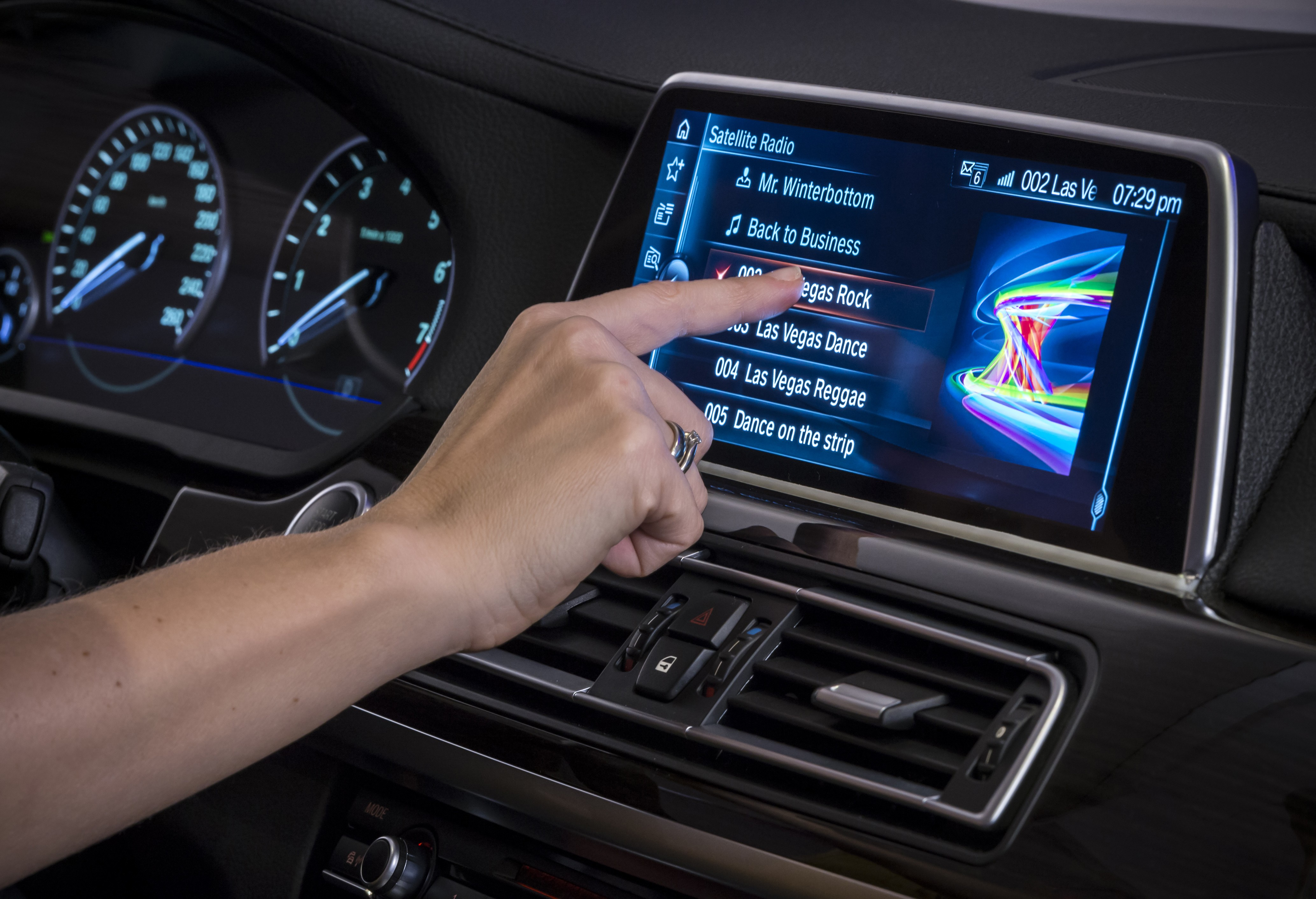 Next Gen IDrive With Gesture Control And Touchscreen Unveiled At 2015 CES Autoevolution