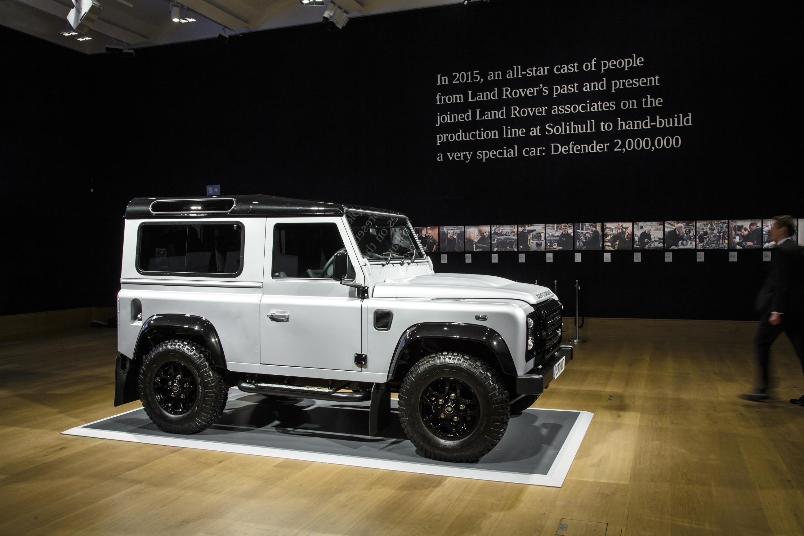 e of a kind Land Rover Defender Sold for $600 000 autoevolution