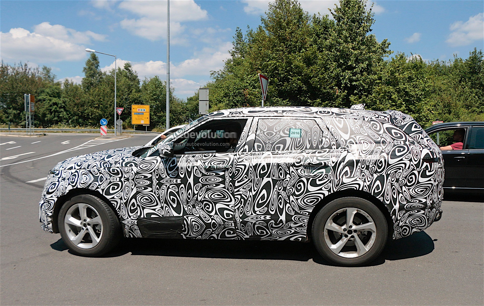 Range Rover Sport Coupe Could Be The First Recipient of Jaguar s