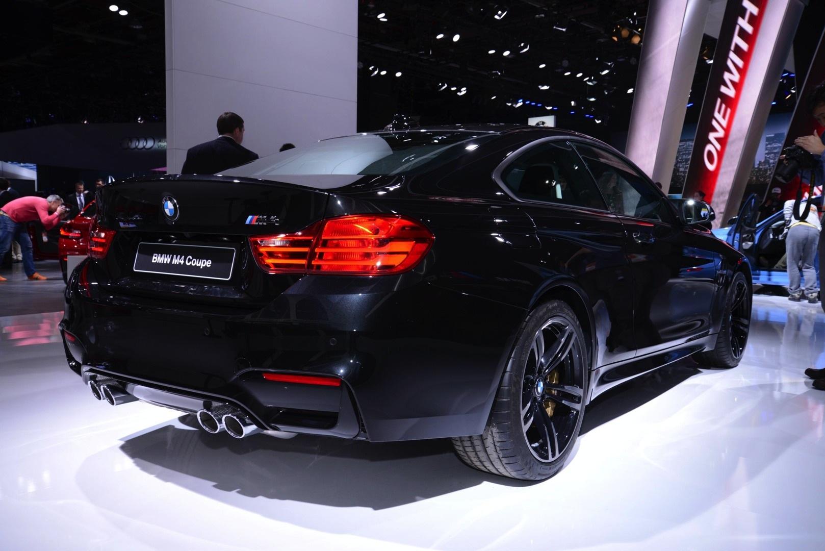 Sapphire Black BMW M4 Looks Brilliant At 2014 NAIAS Live