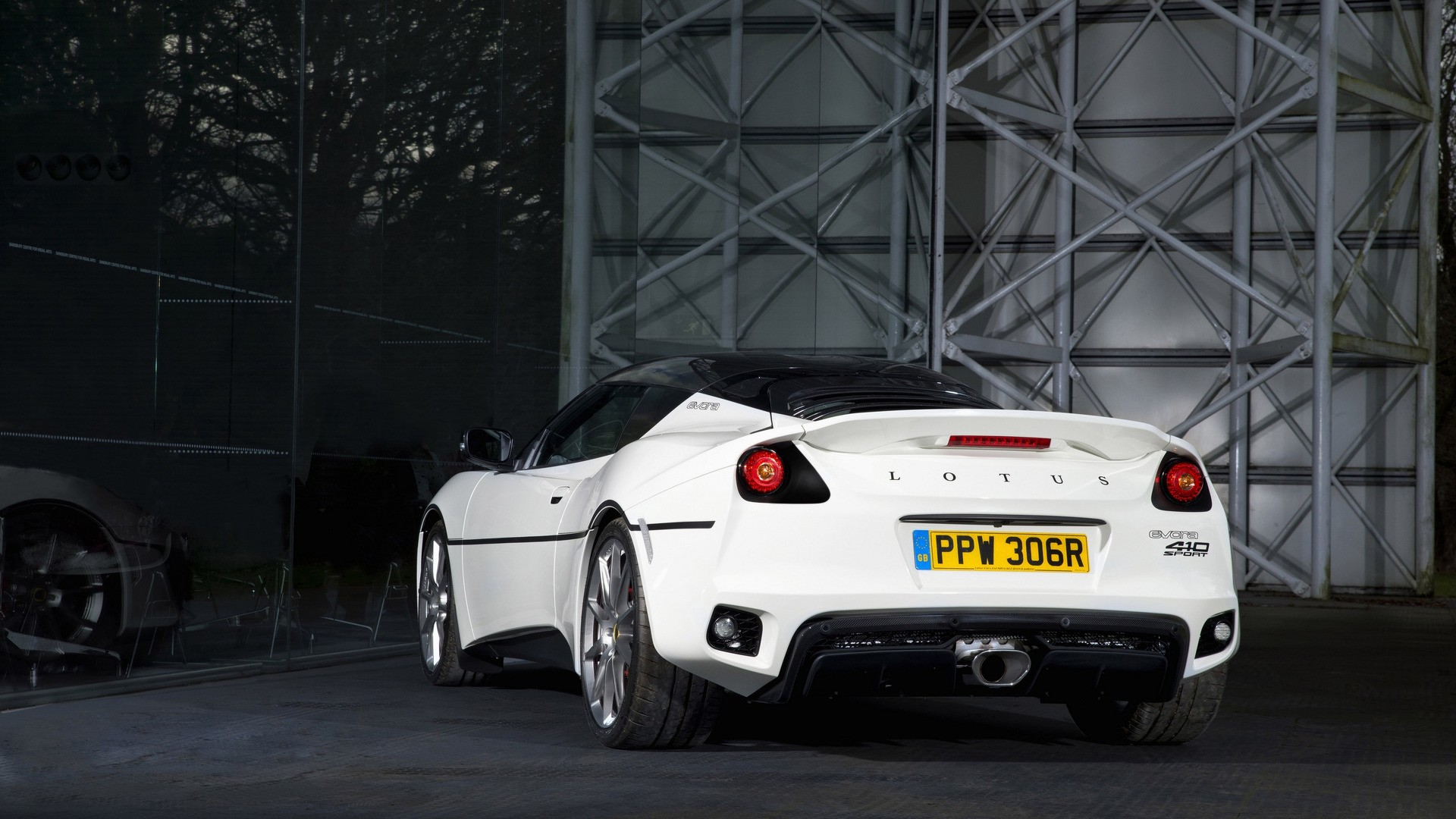 This Lotus Evora Is A Tribute To James Bonds Esprit From