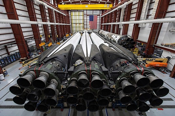 This Is How the Huge Bottom of the Falcon Heavy Looks Like ...