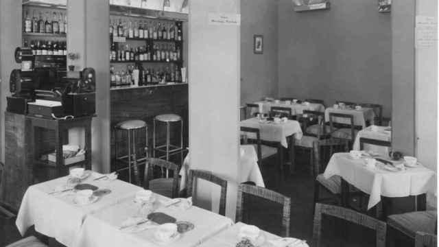 Además de en las mesas, la clientela podía disfrutar de un servicio de barra. / Embassy.