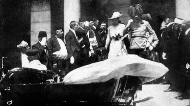 Francisco Fernando de Austria y su mujer Sofía en una imagen tomada el mismo día del asesinato.