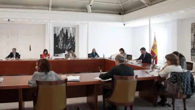 La vicepresidenta tercera, Nadia Calviño, en la reunió extraordinària de Consell de Ministres.