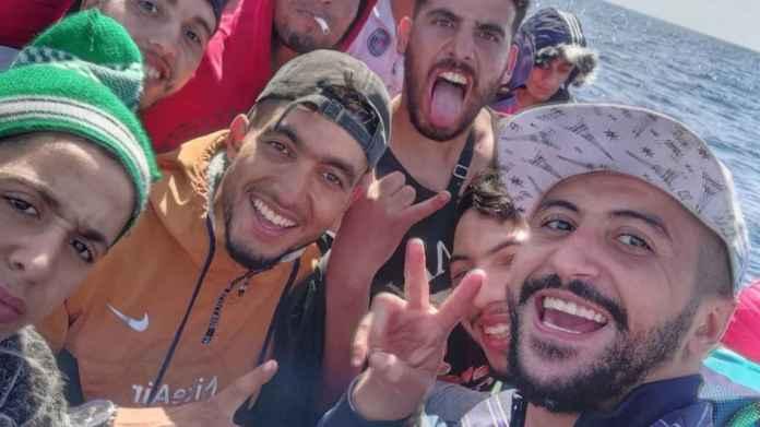 Un influencer marroquí narra su viaje en patera hasta las Islas Canarias:  su experiencia en Instagram