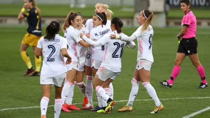 Real Madrid Femenino 3-0 Deportivo Abanca: Asllani sigue en forma y el Real  Madrid Femenino golea a un Deportivo Abanca en caída libre
